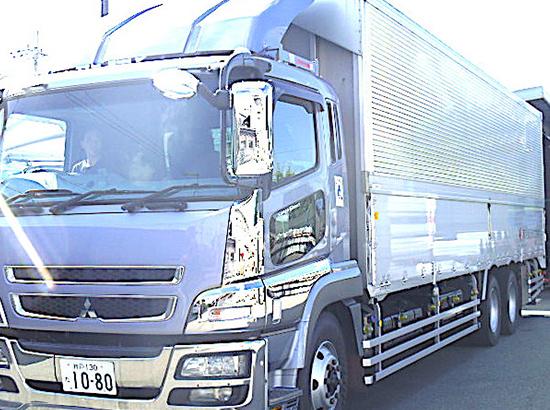 8、大型トラック